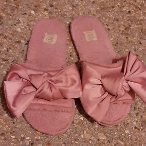 Pink bow slippers